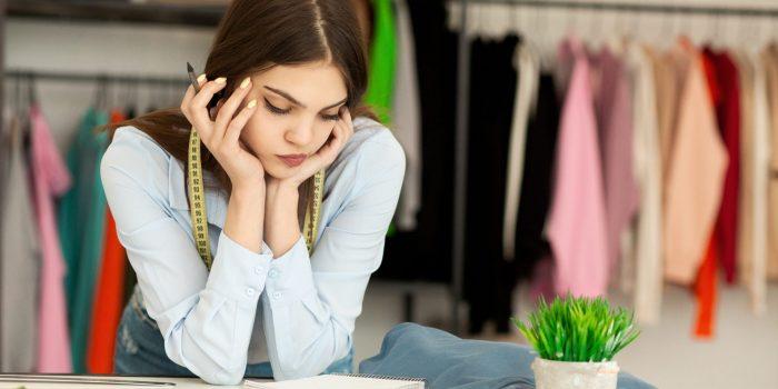 Budgetera och planera för att köpa in produkter och att komma runt svårigheten att få ett lån trots betalningsanmärkningar.